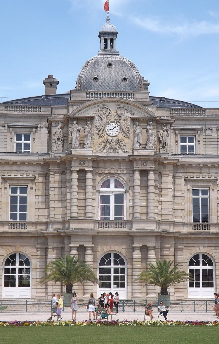 luxembourg façade jardin ressaut central